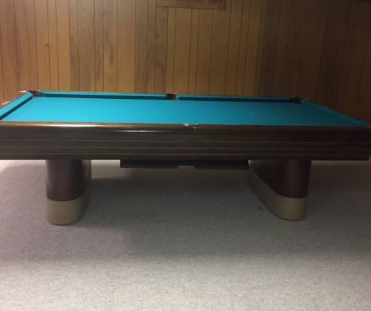Solo 174 Omaha Vintage Brunswick Pool Table 50