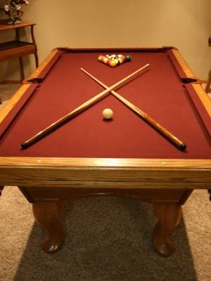 7 ft Olhausen Pool Table